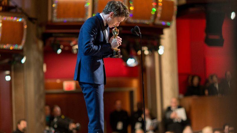 Oscars 2015 : �Bien jou� Eddie� d�clare Stephen Hawking